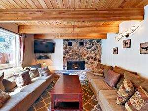 3689 Spruce Ave Home, Prázdninové domy  South Lake Tahoe - big - 34