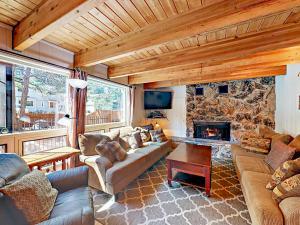 3689 Spruce Ave Home, Dovolenkové domy  South Lake Tahoe - big - 33