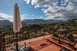 Casa Rossa, Bed and Breakfasts  Monreale - big - 49