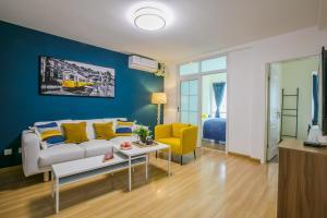 ChengDu GaoXin·Global Center Locals Apartment 00123820