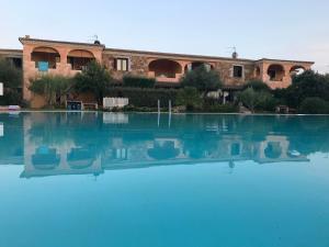 appartamento con piscina e wi-fi - AbcAlberghi.com