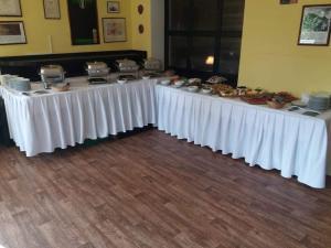 Restaurace-Penzion U Pilota - Hotel - Kněževes