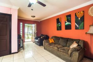 3 Bedroom Town Home in the Heart of Escazu - NEW!!!, Quesada
