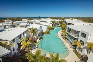 Sand Dunes Resort Accommodation - Pacific Paradise