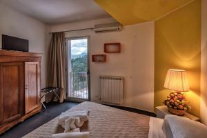 Casa Rossa, Bed and Breakfasts  Monreale - big - 9
