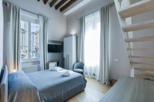 V-Rooms All'Angolo Del Duomo - AbcAlberghi.com