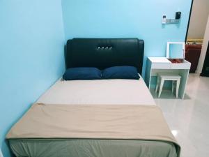 AUZ Guest House, Affittacamere  Kampong Kubang Palas - big - 11