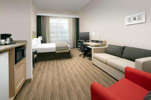 Country Inn & Suites by Radisson, Houston Intercontinental Airport East, TX, Hotely  Humble - big - 17