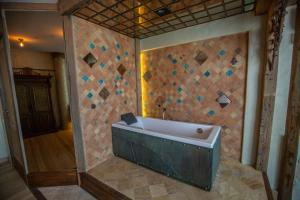 Artists Residence in Tbilisi, Hotel  Tbilisi - big - 20