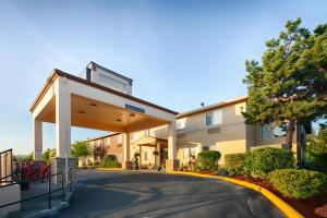 Red Lion Inn & Suites at Olympic National Park