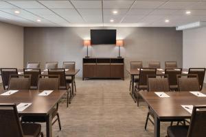Country Inn & Suites by Radisson, La Crosse, WI, Hotels  La Crosse - big - 25