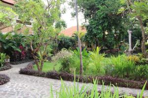 Banyualit Spa 'n Resort Lovina, Resort  Lovina - big - 44