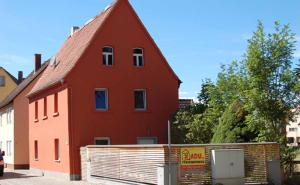 Red House - Höttingen