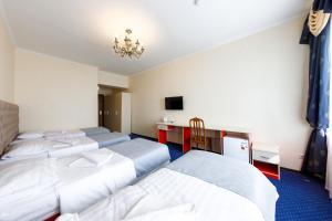 Uyut Tamani, Hotels  Volna - big - 9
