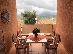 Ferienhaus mit Blick auf Grimaud, Nyaralók  Grimaud - big - 26