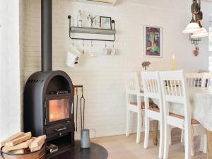 Holiday Home Ulfborg with a Fireplace 1, Dovolenkové domy  Fjand Gårde - big - 17
