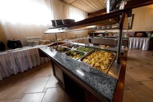 Uyut Tamani, Hotels  Volna - big - 15