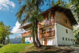 Chalet Pocol - Stayincortina - AbcAlberghi.com