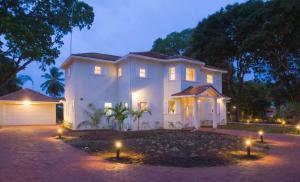 Caira House - Farm Road