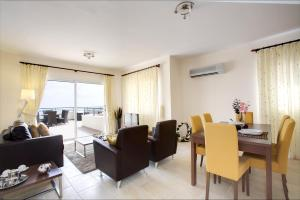 Club Coral View Resort, Apartmánové hotely  Peyia - big - 8