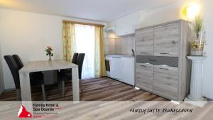 Family Hotel and Spa Desiree, Hotels  Grächen - big - 40