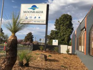Best Western Moonraker Motor I..