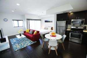 Hollywood Urban Suites