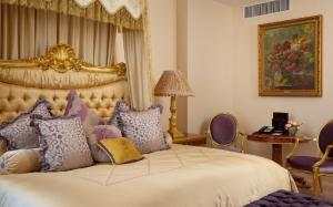 Radisson Royal Hotel (9 of 56)