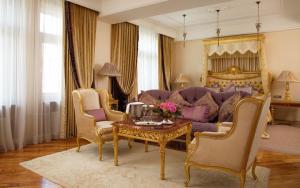 Radisson Royal Hotel (7 of 56)