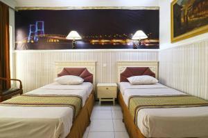 Hotel Tanjung, Hotely  Surabaya - big - 1