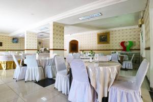 Hotel Tanjung, Hotely  Surabaya - big - 35