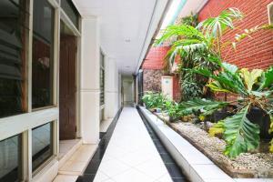 Hotel Tanjung, Hotely  Surabaya - big - 46