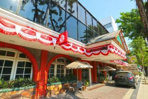 Hotel Tanjung, Hotely  Surabaya - big - 38