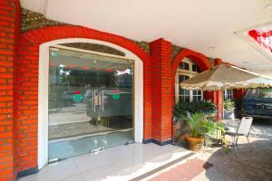 Hotel Tanjung, Hotely  Surabaya - big - 41