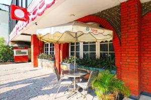 Hotel Tanjung, Hotely  Surabaya - big - 33