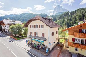Villa Alpina Apartments - AbcAlberghi.com