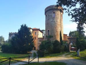 Castello di Envie- Casa del Marchese - Barge