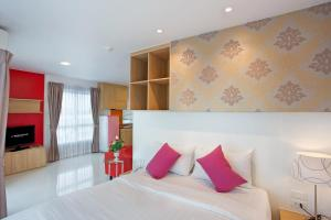 C-House & Residence Hotel Amata City