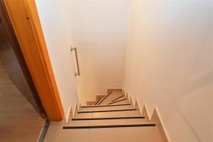 Apartment Hrasta 1