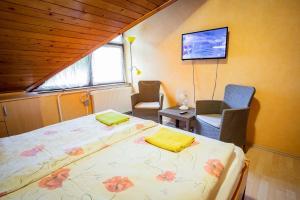 Visegrád Vendégház-Apartman, Apartments  Visegrád - big - 34