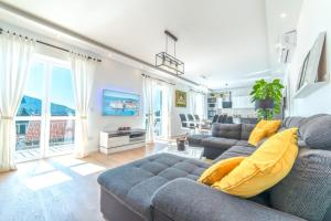 Luxury 5* Apartment by Guide & Sleep