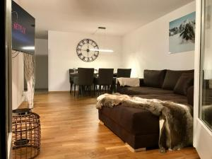 Breathtaking waterfall apartment - Apartment - Lauterbrunnen