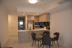 Contemporary apartment near Burwood Park