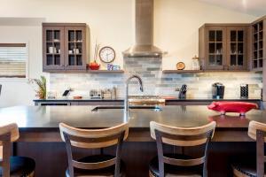 1470 Bangtail Way Condo Unit B Condo - Apartment - Steamboat