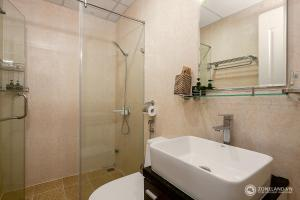 Zoneland Apartments - Monarchy Riverside, Apartments  Da Nang - big - 8