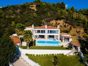 obrázek - Luxurious Villa in Agia Paraskevi Chalkidiki