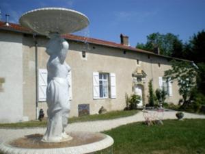 Location gîte, chambres d'hotes Gite Le Château de Mouzay dans le département Meuse 55