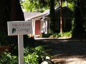 Piety Hill Cottages Motel and Bed and Breakfast - Grass Valley