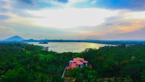 Lake Holiday Resort - Dambulla