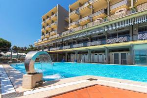 Hotel Bellevue Et Mediterranée, Отели  Диано-Марина - big - 38